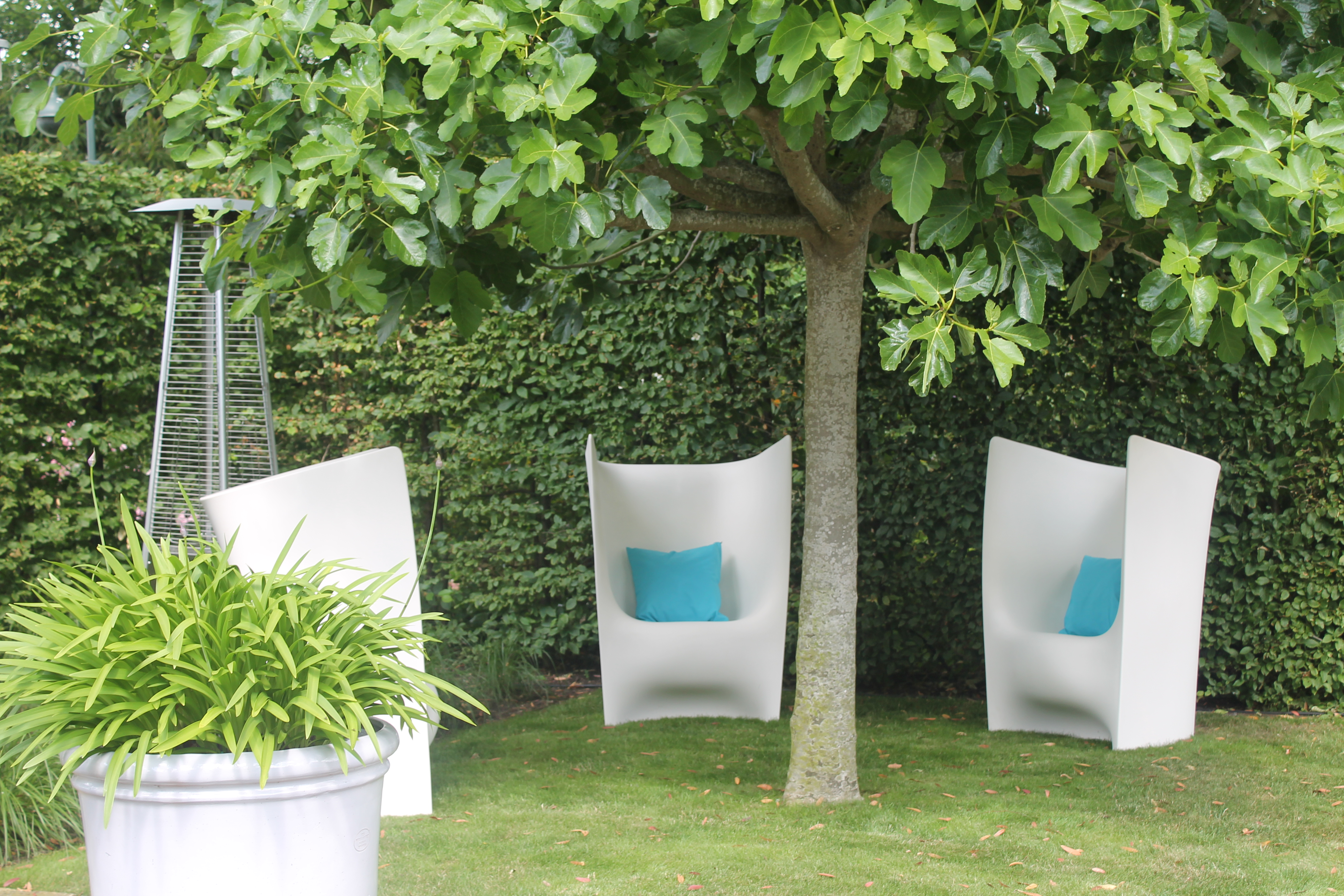 Funky white contemporary chill out furniture