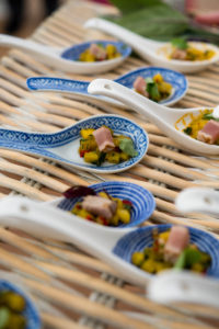Seared fresh tuna & mango salsa spoons
